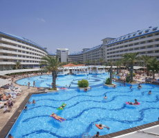Bilde av hotellet Crystal Admiral Resort Suites & Spa - nummer 1 av 33