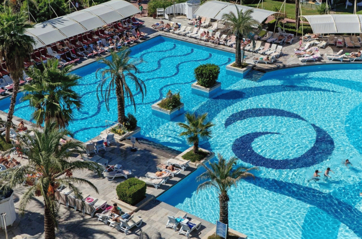 Bilde av hotellet Crystal Admiral Resort Suites & Spa - nummer 1 av 12
